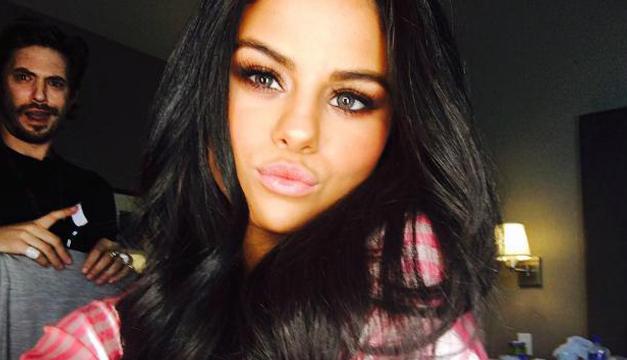 Selena-instagram