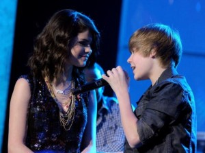 LAS VEGAS - DECEMBER 31:  Singers Selena Gomez (L) and Justin Bieber perform during Dick Clark's New Year's Rockin' Eve With Ryan Seacrest 2010 at Aria Resort & Casino at the City Center on December 31, 2009 in Las Vegas, Nevada.  (Photo by Kevin Winter/DCNYRE2010/Getty Images for DCP)