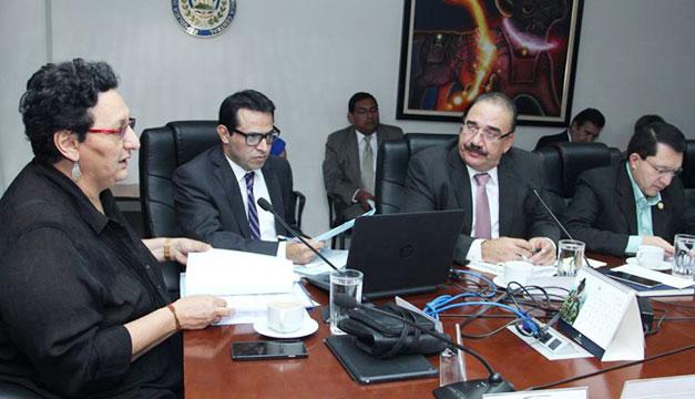 Comision-de-Hacienda-Lorena-Pena-Donato-Vaquerano