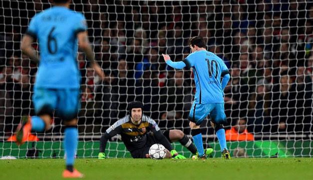 Leo-Messi-Peter-Cech