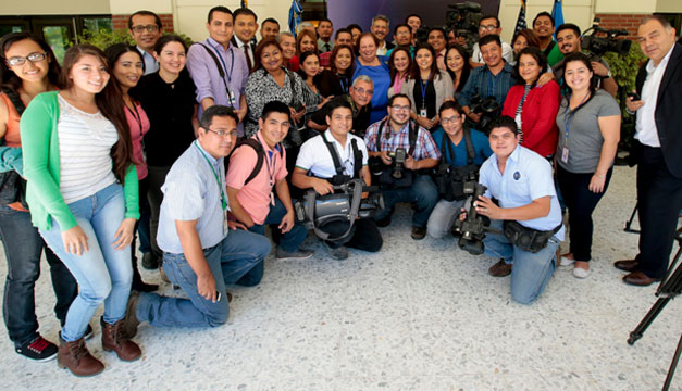 Mari-Carmen-Aponte-periodistas