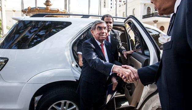 Oscar-Arias-premio-Nobel-de-la-Paz