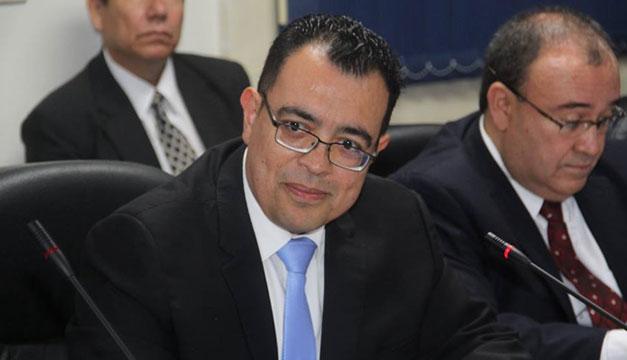 Oscar-Cabrera-presidente-BCR