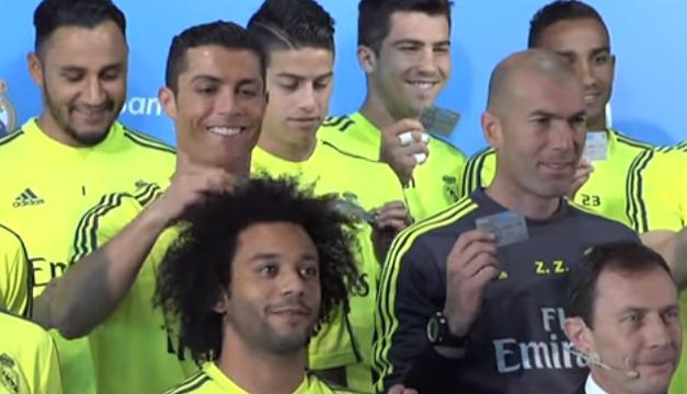 Ronaldo juega con el cabello de Marcelo