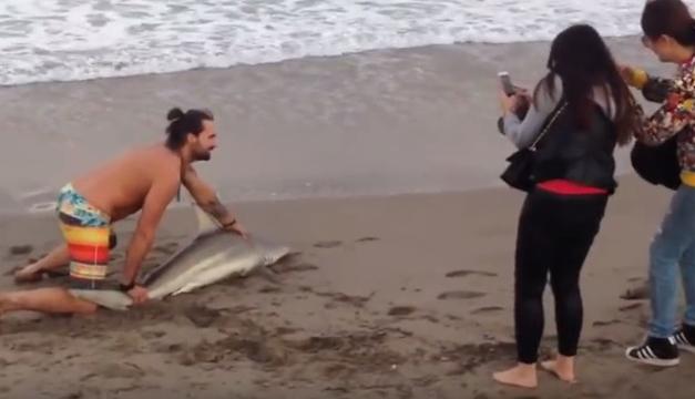 hombre-tiburon
