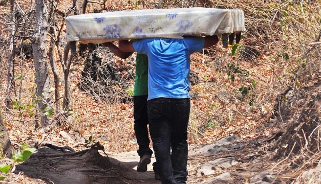 huida-familias-panchimalco