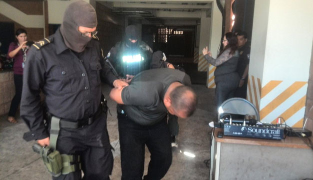 policias-capturados