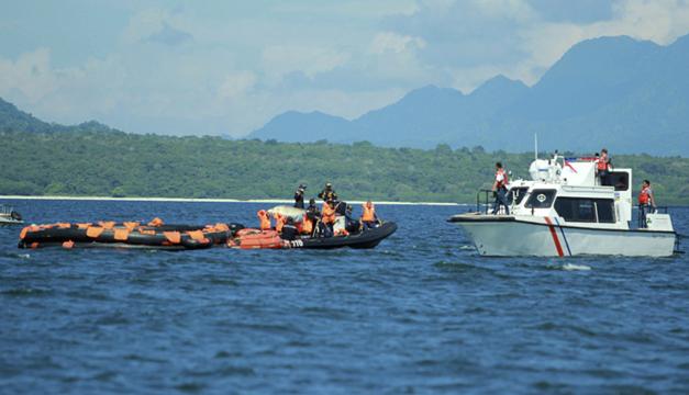 Barco se hunde en Indonesia-EFE