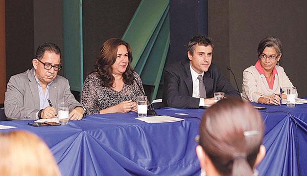 Conversatorio-sostenibilidad-Lina-Pohl-Eugenio-Chicas-Carlos-Calleja