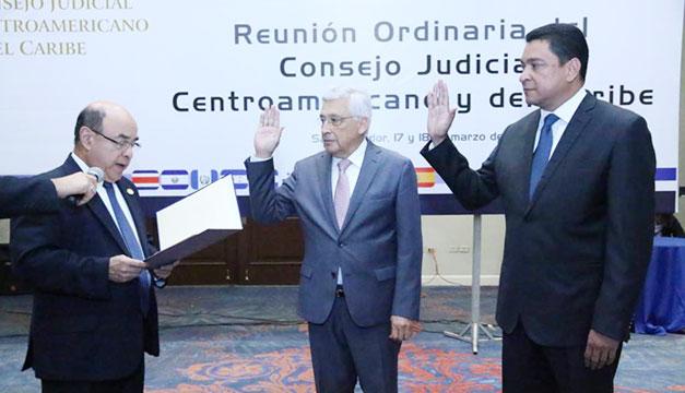 Juramentan-a-magistrados-de-Corte-Centro-America