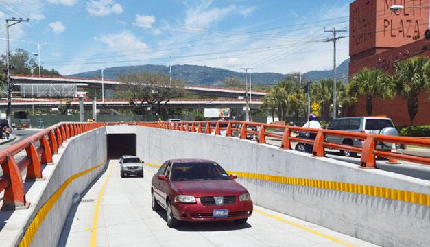 Tunel-redondel-Naciones-Unidas