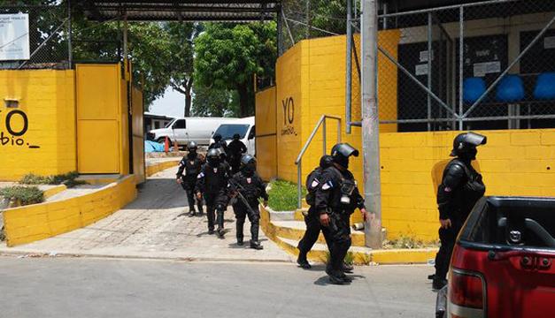policia-traslado-reos