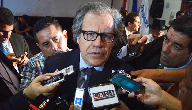 Luis-Almagro-en-El-Salvador