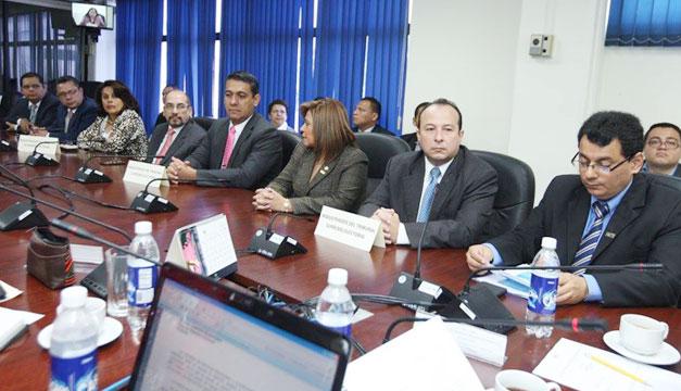 Magistrados-TSE-en-Asamblea