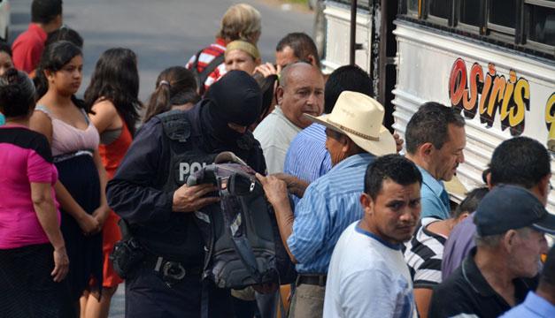 Policia-en-Santa-Cruz-Michapa