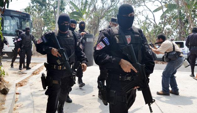 Policias-Santa-Cruz-Michapa