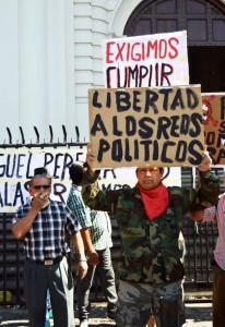 Protesta-de-veteranos-en-Catedral