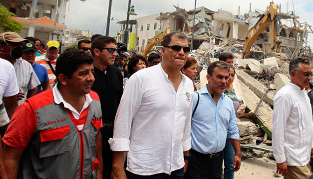 Rafael-Correa-terremoto-Ecuador