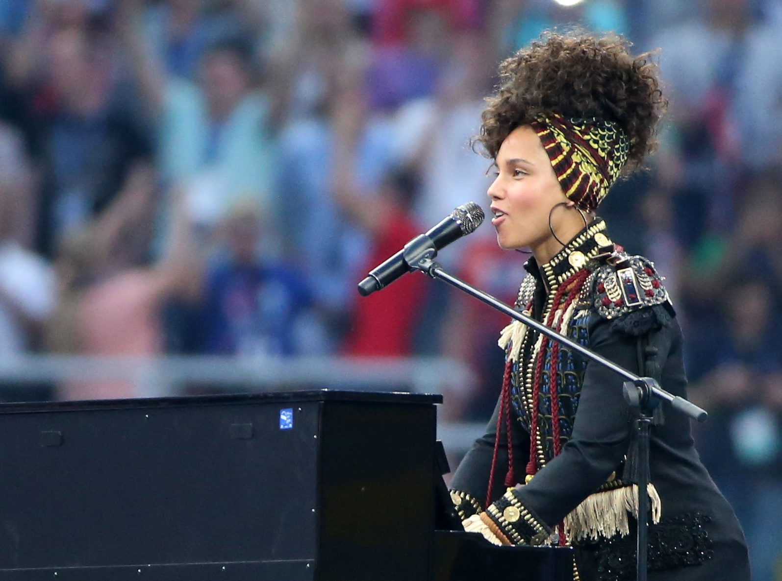 . Milan (Italy), 28/05/2016.- US musician Alicia Keys performs before the UEFA Champions League Final 2016 between Real Madrid and Atletico Madrid at the Giuseppe Meazza stadium in Milan, Italy, 28 May 2016. (Liga de Campeones, Italia) EFE/EPA/OLIVER WEIKEN