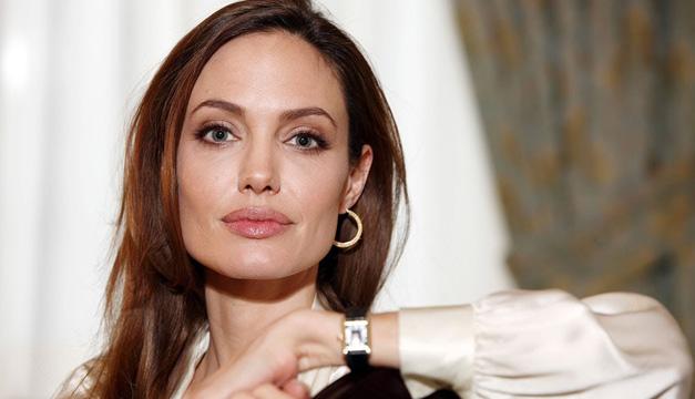 Jolie y Pitt llegan a acuerdo temporal de las custodias