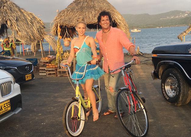 Carlos-Vives-y-Shakira-la-bicicleta