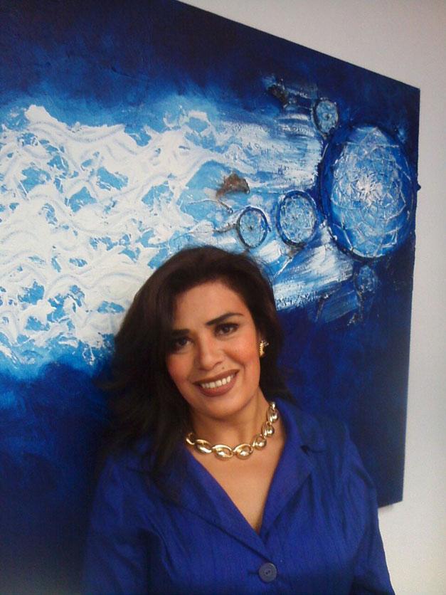 Claudia-Zeledon-Azul-Transparente