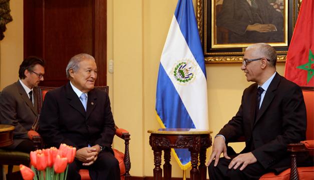 presidente de la Cámara de Representante de Marruecos Rachid Talbi Alami junto al presidente de la República, Sánchez Cerén. Fotografía: Casa Presidencial.