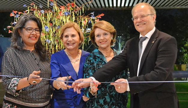 inauguracion-Exposicion-de-obras-de-arte-en-vidrio-La-Naturaleza-Atraves-de-Mis-Ojos-de-Margarita-Llort