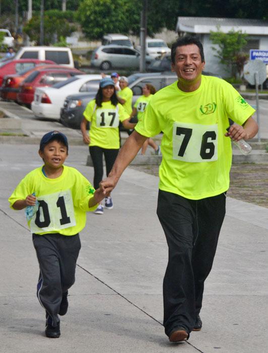 DIA-Padre-Giovani-y-su-hijo-David-Fernandez