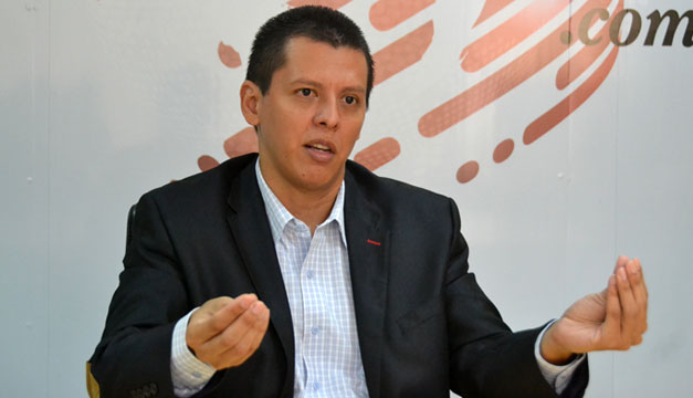 Eduardo-Escobar