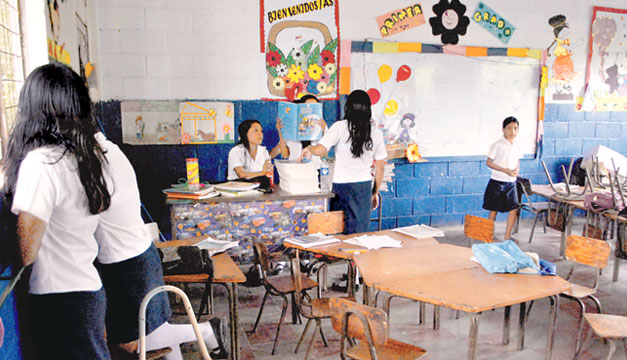 Escuela-estudiantes-desercion-escolar