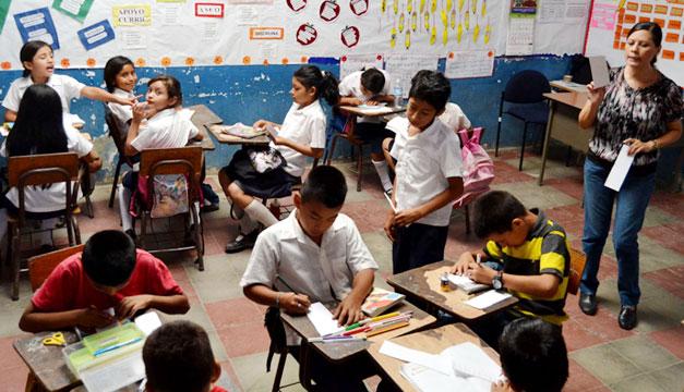 Escuela-estudiantes