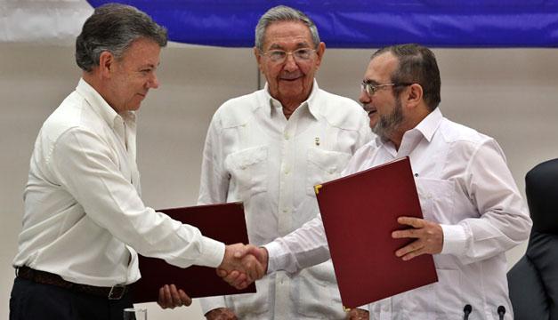Juan-Manuel-Santos-Raul-Castro-Timochenko