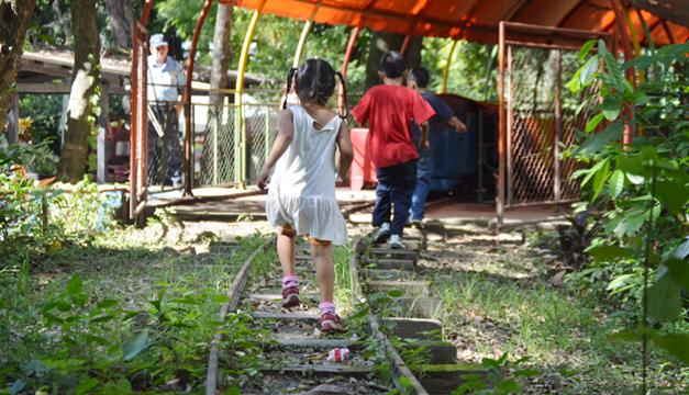Ninos-Parque-Infantil