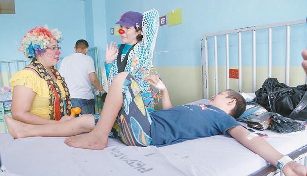 Payasos-en-el-hospital