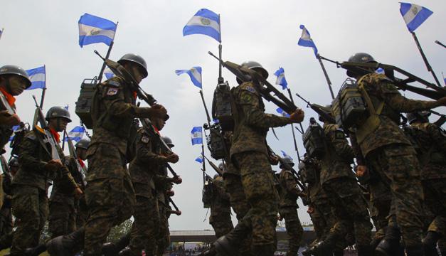 soldados salvadoreos-efe