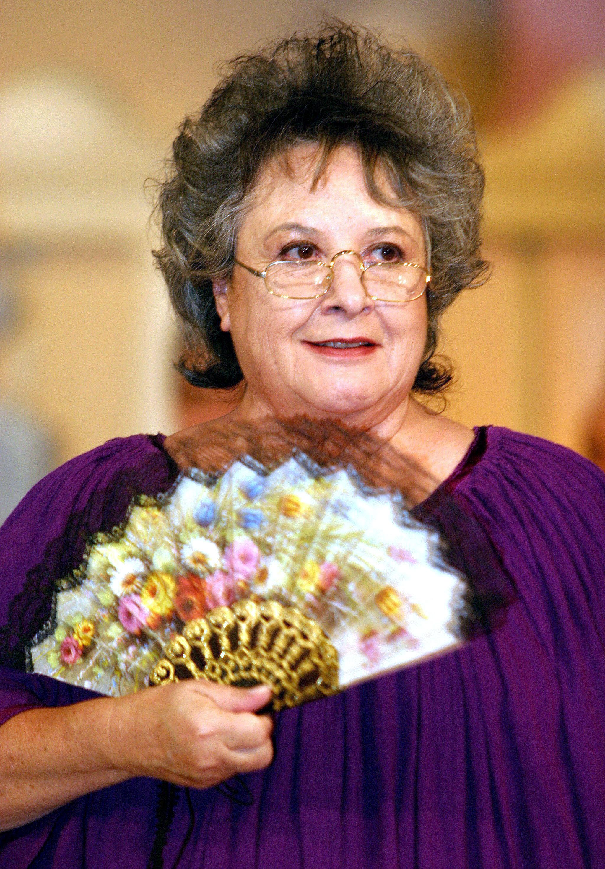 """MEX48. CIUDAD DE MÉXICO (MÉXICO) 23/08/2016.- Fotografía de archivo del 19 de abril de 2005 de la actriz mexicana Evita Muñoz 'Chachita'. La actriz mexicana del Cine de Oro Evita Muñoz conocida como """"Chachita"""" falleció hoy, martes 23 de agosto de 2016, a los 79 años de edad, a causa de un paro respiratorio, de acuerdo a su esposo, Hugo Macías Macotela. El pasado 16 de junio la actriz, con 70 años de carrera artística en cine, televisión, teatro, radio y circo, fue internada por una neumonía y aunque fue dada de alta 10 días después, la complicación de esta condición ocasionó su muerte. EFE/Armando Mota/ARCHIVO"""