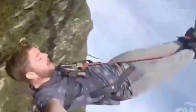 Hombre-Salto de un puente