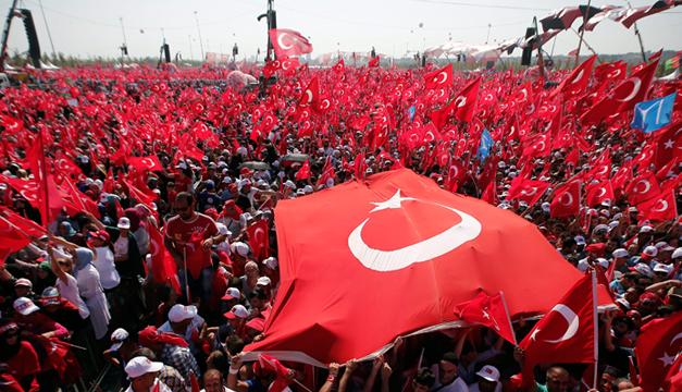 Mitin-Turquia