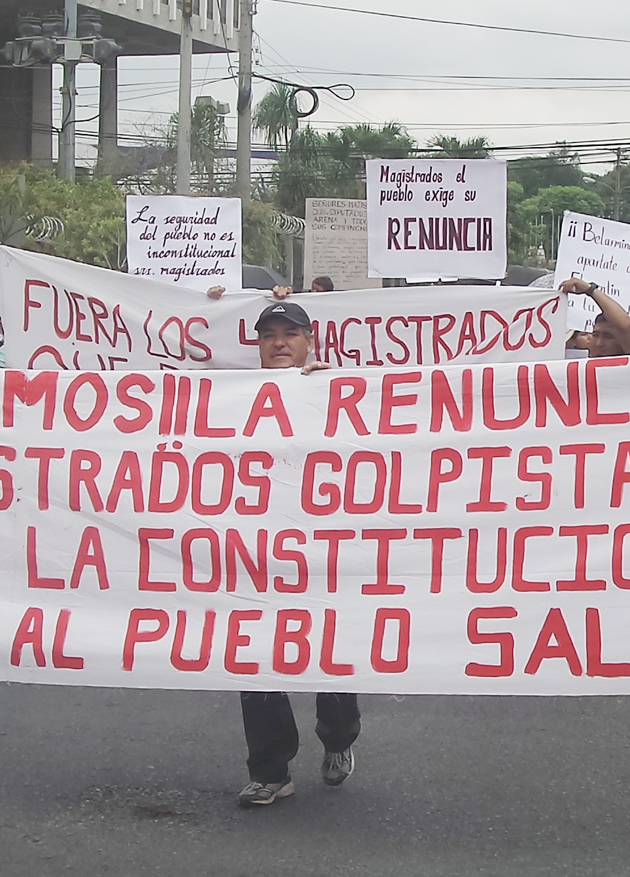 Protesta-Sala-de-lo-Constitucional