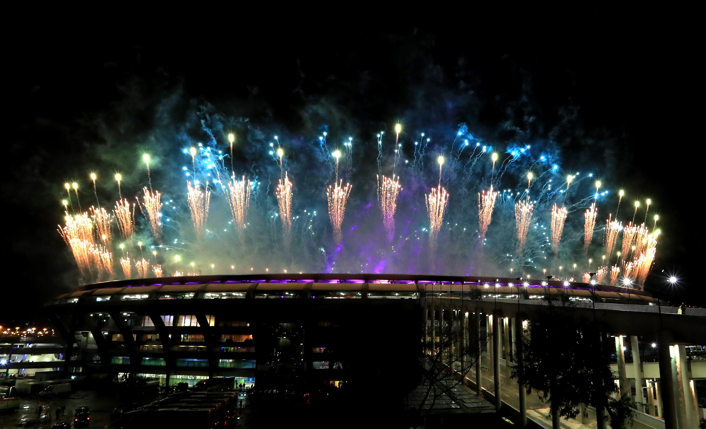 (160821) -- RIO DE JANEIRO, agosto 21, 2016 (Xinhua) -- Fuegos artificiales explotan sobre el Estadio Maracaná durante la ceremonia de clausura de los Juegos Olímpicos de Río de Janeiro 2016, en Río de Janeiro, Brasil, el 21 de agosto de 2016. (Xinhua/Mike Egerton/PA Wire/ZUMAPRESS) (rtg) (ce) ***DERECHOS DE USO UNICAMENTE PARA NORTE Y SUDAMERICA***