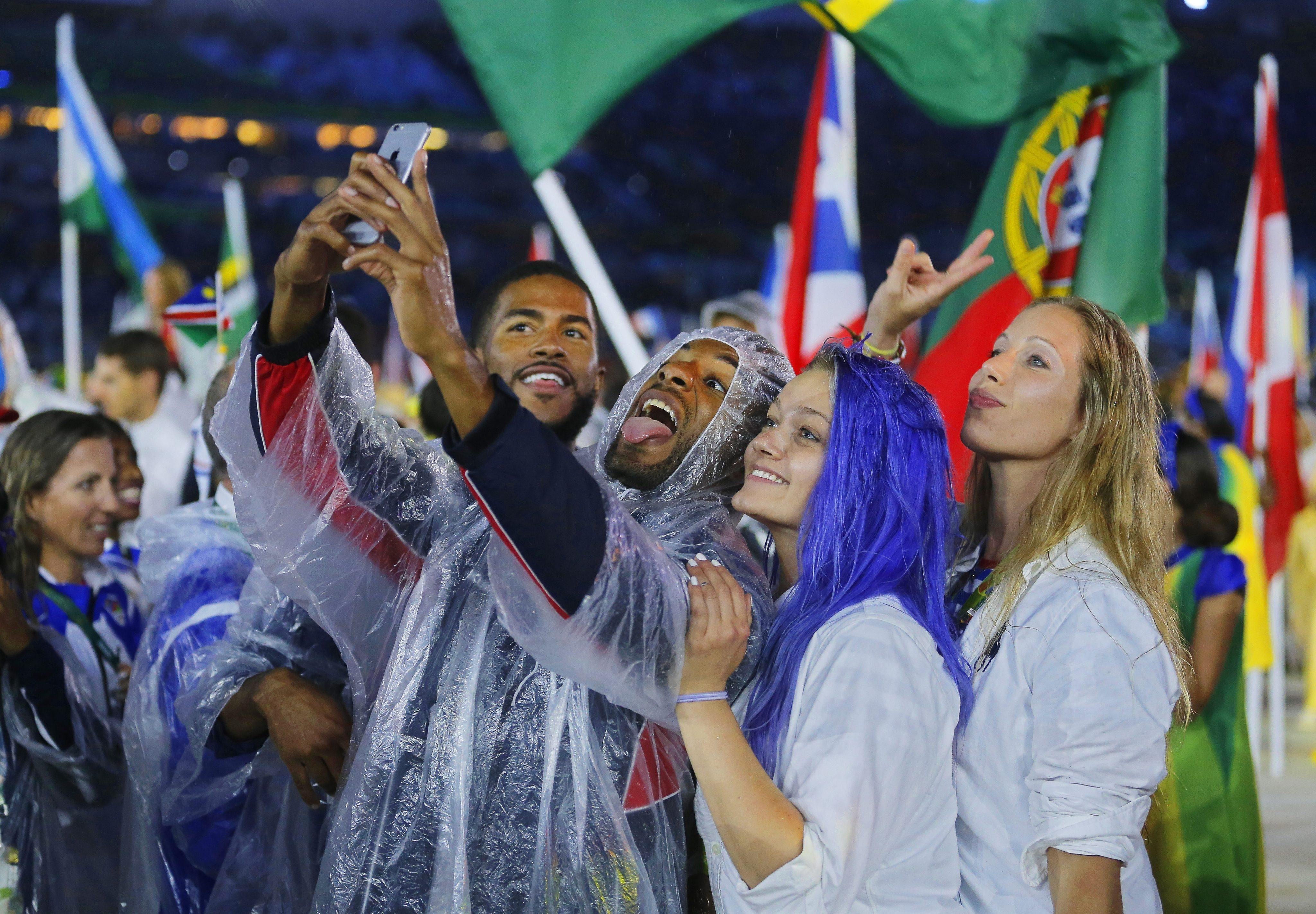 . Rio De Janeiro (Brazil), 21/08/2016.- Athletes of the USA attend the Closing Ceremony of the Rio 2016 Olympic Games at the Maracana Stadium in Rio de Janeiro, Brazil, 21 August 2016. (Brasil, Estados Unidos) EFE/EPA/SERGEI ILNITSKY