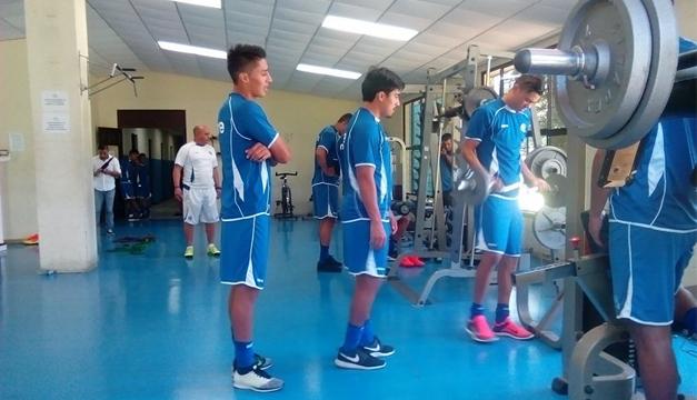 Fotografía: La selección mayo terminó haciendo una sesión de gimnasio, ayer tras no poder trabajar en Cuidad Universitaria. DEM