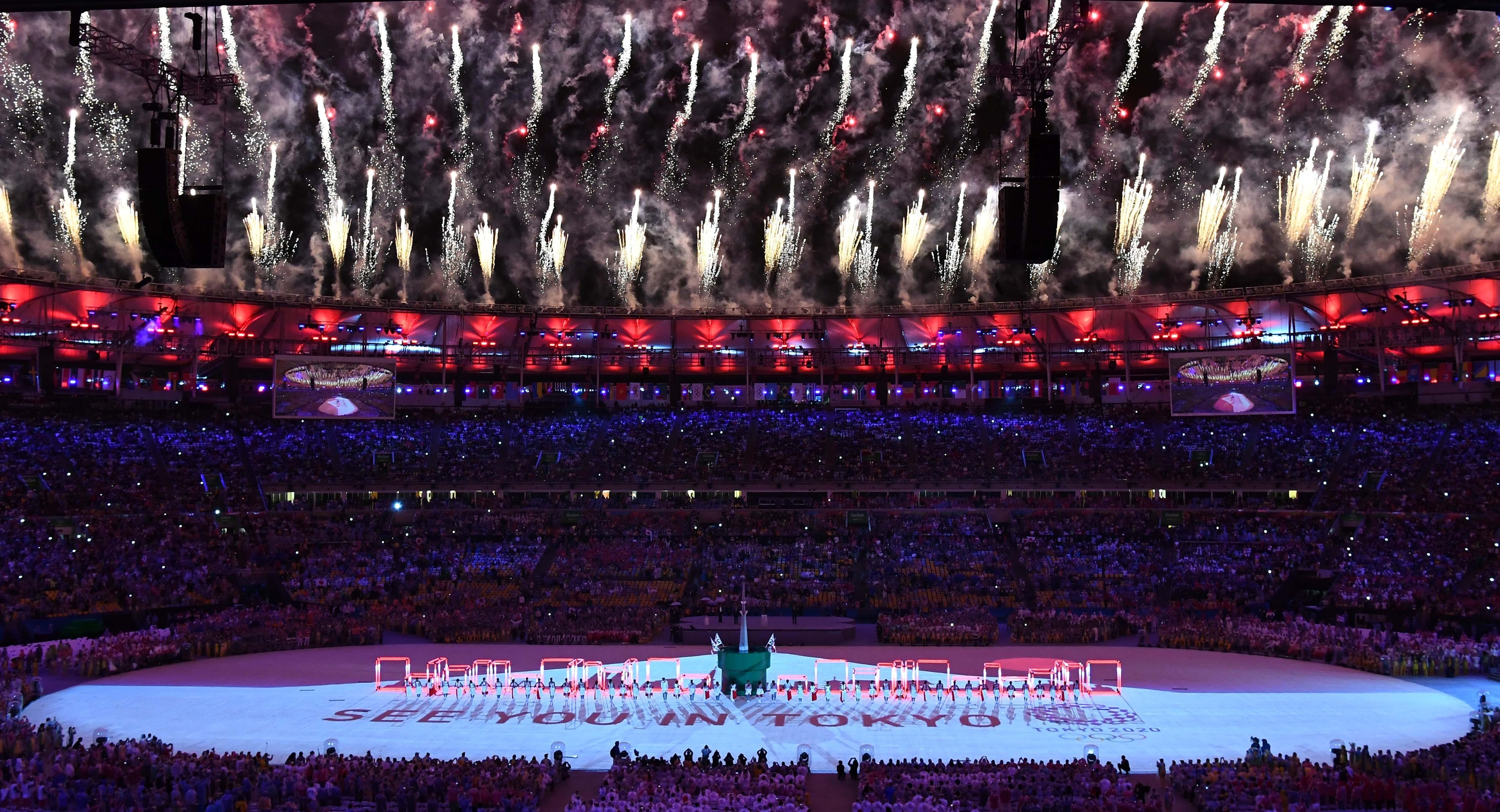 (160821) -- RIO DE JANEIRO, agosto 21, 2016 (Xinhua) -- Artistas de Japón participan en el segmento de Tokio 2020, durante la ceremonia de clausura de los Juegos Olímpicos de Río de Janeiro 2016, en el Estadio Maracaná, en Río de Janeiro, Brasil, el 21 de agosto de 2016. Los Juegos Olímpicos del año 2020 se llevarán a cabo en Tokio. (Xinhua/Yan Yan) (rtg) (ce)