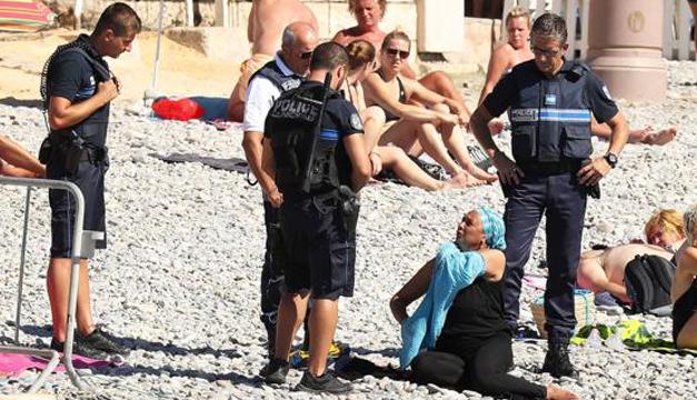 policias-banistas-francia1