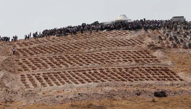 tumbas para victiams de turquia-efe