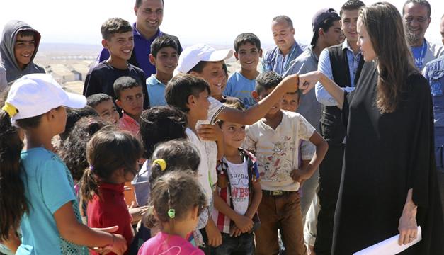 angelina-jolie-campo-de-refugiados