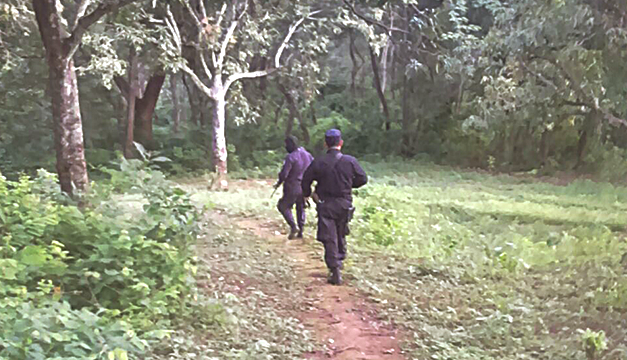Policia Enfrentamiento