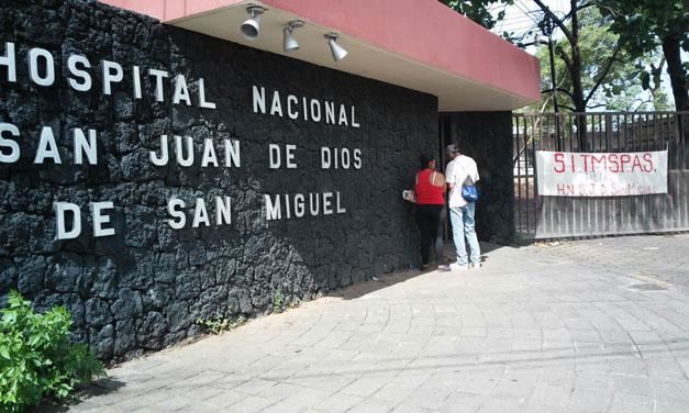 Renuncia director de hospital de San Miguel