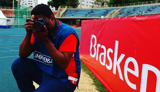 Maia, el fotógrafo que trabaja con los ojos del corazón